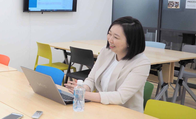サポートセンターの専門家、Me-Rise代表東峰ゆか氏インタビューの様子
